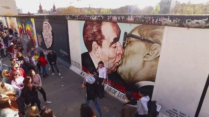 30 anni fa, la caduta del Muro di Berlino
