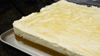 Lemon Cheesecake Traybake