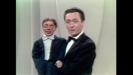 """Arthur Worsley - Ventriloquist """"When You're Smiling"""""""