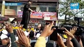 Priyanka Gandhi's roadshow in Azamgarh