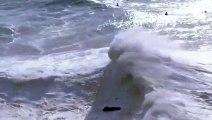 El surfista Alex Botelho sufre un accidente al quedar atrapado entre dos olas