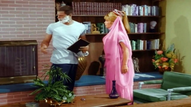 "I Dream of Jeannie season 1 episode 3 ""Guess What Happened on the Way to the Moon?"""