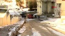 Ankara'da kar küreme ve tuzlama aracı devrildi 1 yaralı