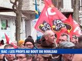 A la Une : Les enseignants sont-ils au bord du burn out / 600 personnes dans les rues contre les retraites / Ils devaient dans la rue à Saint-Etienne / L'amour quand on est ado - Le JT - TL7, Télévision loire 7