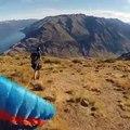 Un vol de parapente au-dessus de Wanaka tourne mal.