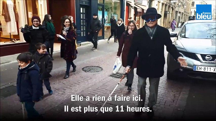 Le maire Dominique Gros à l'aveugle dans les rues de Metz