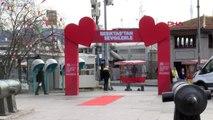 İstanbul 14 şubat sevgililer günü beşiktaş'ta renkli görüntülerle kutlandı