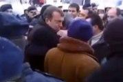 Türkiye'ye dönüş hazırlığı yapan Cem Uzan'dan Ahmet Kaya şarkısıyla gözdağı