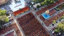 10.000 Mönche in Thailand trauen um Opfer von Amoklauf