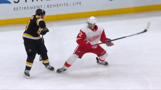Brad Marchand with an Spectacular Assist vs. Detroit Red Wings