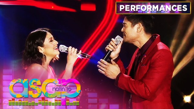 """Kyla and Jay R serenade the audience with """"Let The Love Begin"""" 