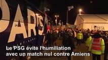 Foot: le PSG évite l'humilation à Amiens