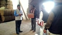 शामली:ऊन एसडीएम ने किया अनाज गोदाम का औचक निरीक्षण