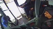 Engelli bireyi kucağına alarak otobüse bindirdi...Otobüs şoföründen herkese örnek olacak davranış