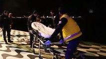 Denize düşen adamı polis kurtardı - İZMİR