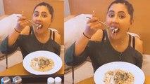 Bigg Boss 13: शो के बाद यहां पास्ता खाते दिखी Rashami Desai | FilmiBeat