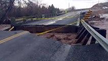 Il filme ce pont qui disparaît dans les inondations !