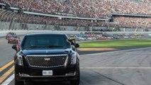 À Daytona, Donald Trump s'offre un tour de circuit en Cadillac