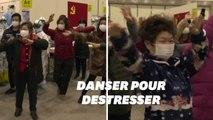Ces malades du coronavirus incités à danser pour réduire leur stress