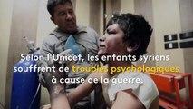 """""""Quand la bombe arrivera, nous en rirons"""" : en Syrie, un papa invente un jeu avec sa fille lors des bombardements"""