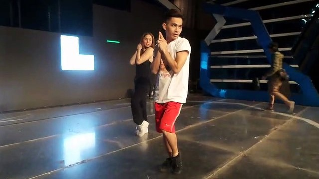 Opening dance number rehearsals, silipin!