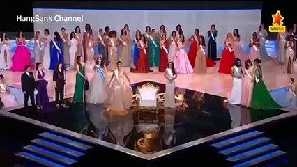 """ON A BESOIN DE ÇA  Comment l'africaine(miss Nigéria) saute de joie pour """"sa sœur"""" des Caraïbes (miss Jamaïque) élue Miss Monde."""