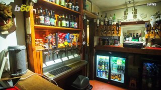 """This """"Off-Grid"""" Pub Where Customers Serve Themselves Is Run by the Grumpiest Most Eccentric Pub Land"""