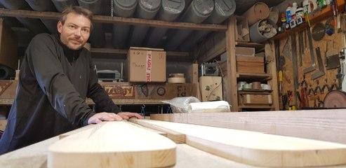 Trois questions à Nicolas Roux, fabricant de skis sur mesure dans les Vosges.