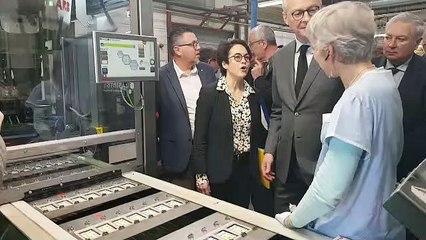 Le ministre Bruno Le Maire dans une usine de gommes en Haute-Savoie