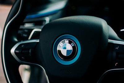 BMW, Audi, Mercedes : Leurs conducteurs seraient narcissiques et désagréables !