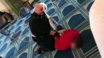 - İngiltere'de camide bıçaklı saldırı