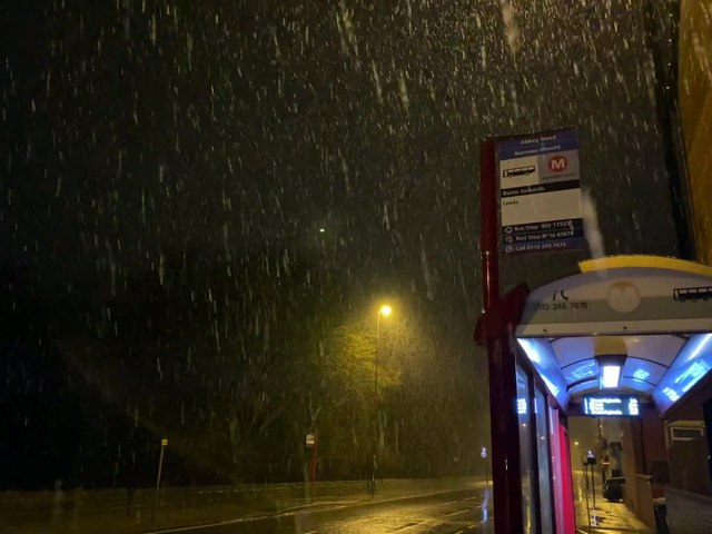 First footage of heavy snow falling  across Leeds