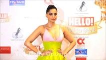 Sonam_Kapoor_Open_Dress_At_Hello_Hall_Of_Fame_Awards