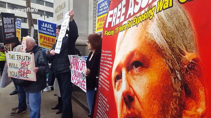 Vivienne Westwood joins Assange supporters in London ahead of extradition trial