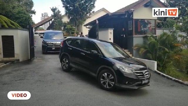 MP PKR sokong Anwar beredar dari rumah Anwar