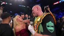 Tyson Fury chante 'American Pie' sur le ring après sa victoire !