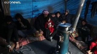 Deslocados sírios sonham com a Turquia