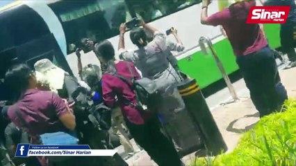 Ahli parlimen DAP tiba di Istana Negara