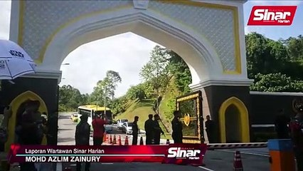 Ahli Parlimen DAP keluar Istana Negara