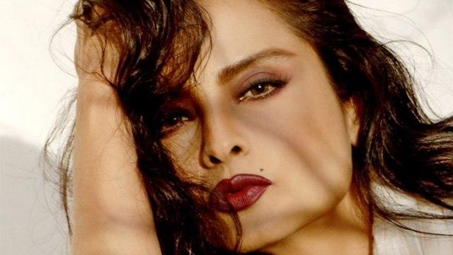 Rekha's ageless beauty secret revealed । रेखा की ग्लोइंग स्किन का राज । Boldsky