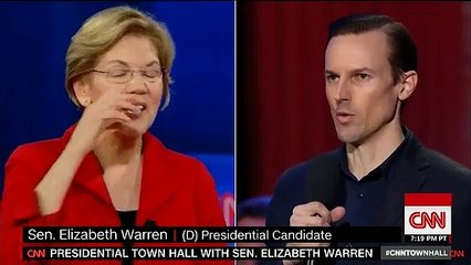 Elizabeth Warren Suggests Bernie Sanders Wants To Change Primary Rules Because It Would Be 'An Advantage to Him'