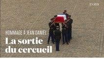 Hommage à Jean Daniel : la sortie du cercueil