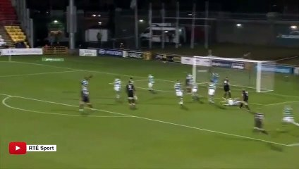 Il marque un but complètement fou en Irlande