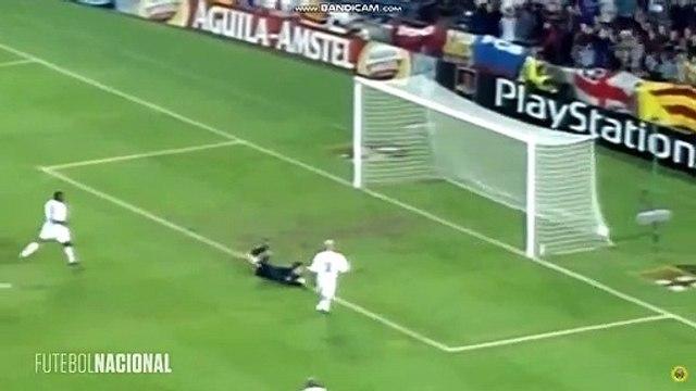 Le but monstrueux de Rivaldo contre Leeds en 2000