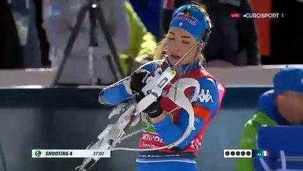 une championne de biathlon en action