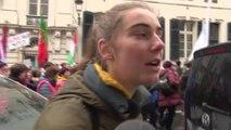 Adelaïde Charlier manifeste à Bruxelles avec Greta Thunberg