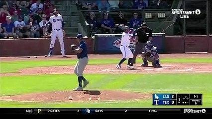 Un joueur de Baseball reçoit une balle à 152kmh sur son mâchoire !