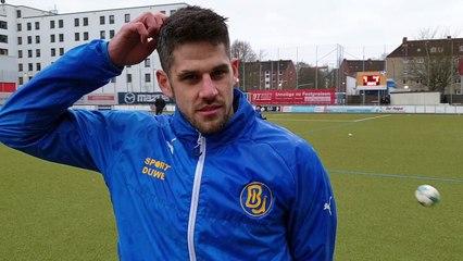 BU führt Vicky vor Niklas Sabas (Kapitän BU) im Interview