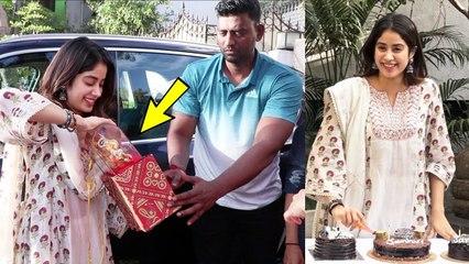 Jhanvi Kapoor Celebrate Her Birthday With Media