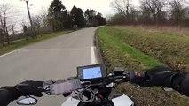 Des motards croisent d'autres motards
